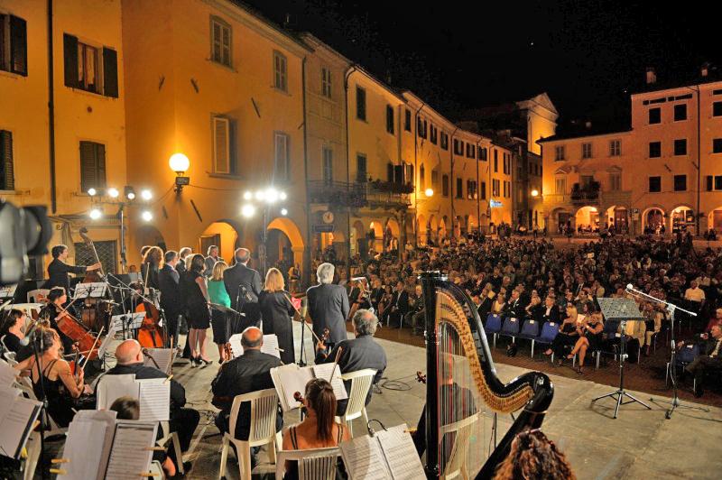 Rocca S.Casciano_P.za Garibaldi_Premio Cappelli_1_Foto Frasca