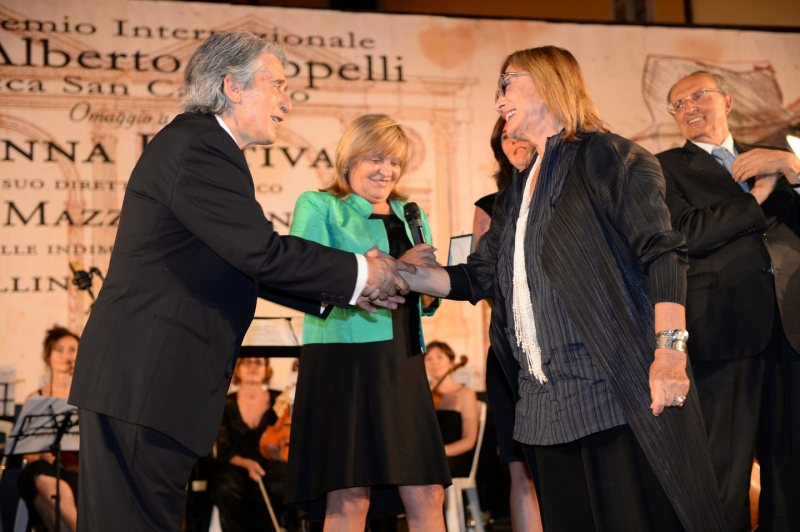 a sx Dodo Frattagli e M.me C.Mazzavillani-Muti_Premio Cappelli_2_Foto Frasca